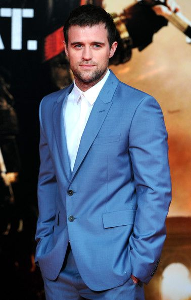 Jonas Armstrong Edge Of Tomorrow UK Film Premiere. #suits  UGH. Such a babe, I loved him in Robin Hood and I love his first seen in Edge of Tomorrow. Sweaty  Shirtless.
