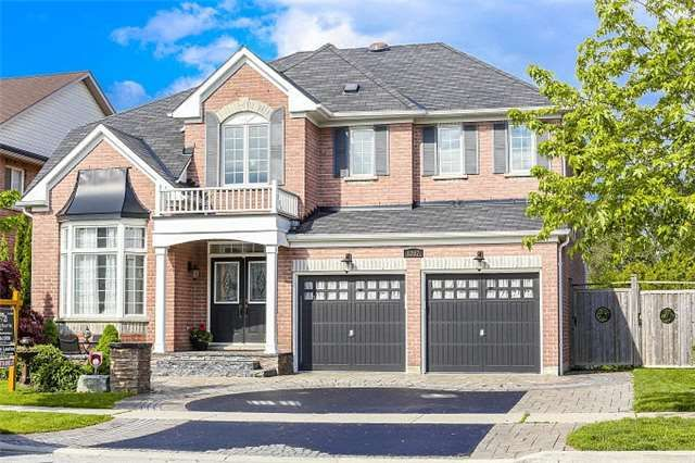 Prestigious Executive Home Backing Onto Scenic Ravine Lot