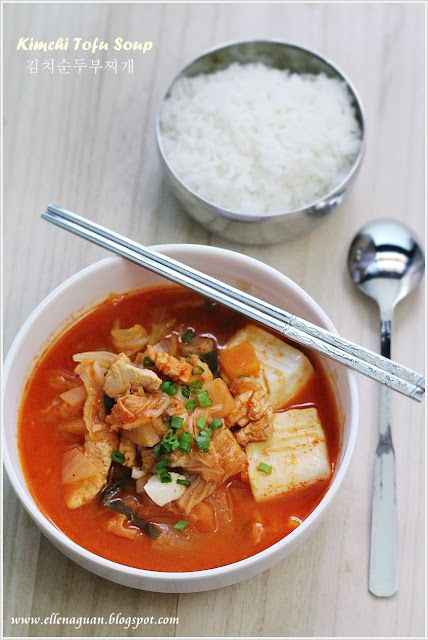 Kimchi tofu soup -- if only there were some Koreans (and kimchi) in brazil...recipe from Cuisine Paradise