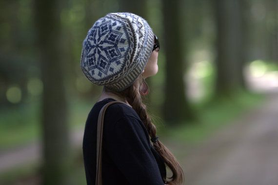 Handknit woolen tam / beret with Celtic motifs and a by Yarnoteka, €45.00