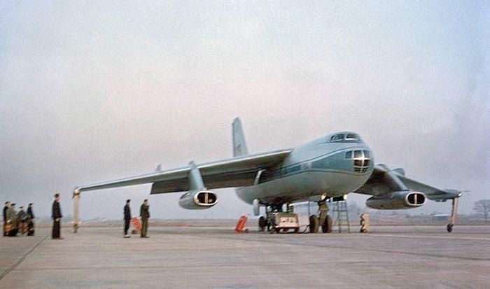 Baade-152 East German (DDR) passenger jet prototype   https://en.m.wikipedia.org/wiki/Baade_152