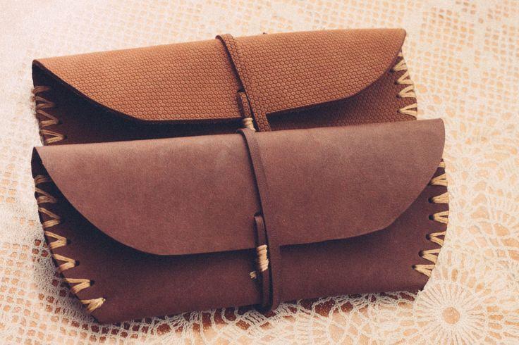 Handmade genuine leather glassescase, purse by Fanfanleathergoods on Etsy