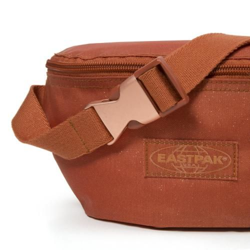 Check out the Eastpak Springer Lobster Bum Bag. Get yours now from the official online store. Free delivery and free returns.