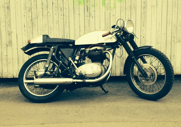 My BSA Cafe Racer - Lester