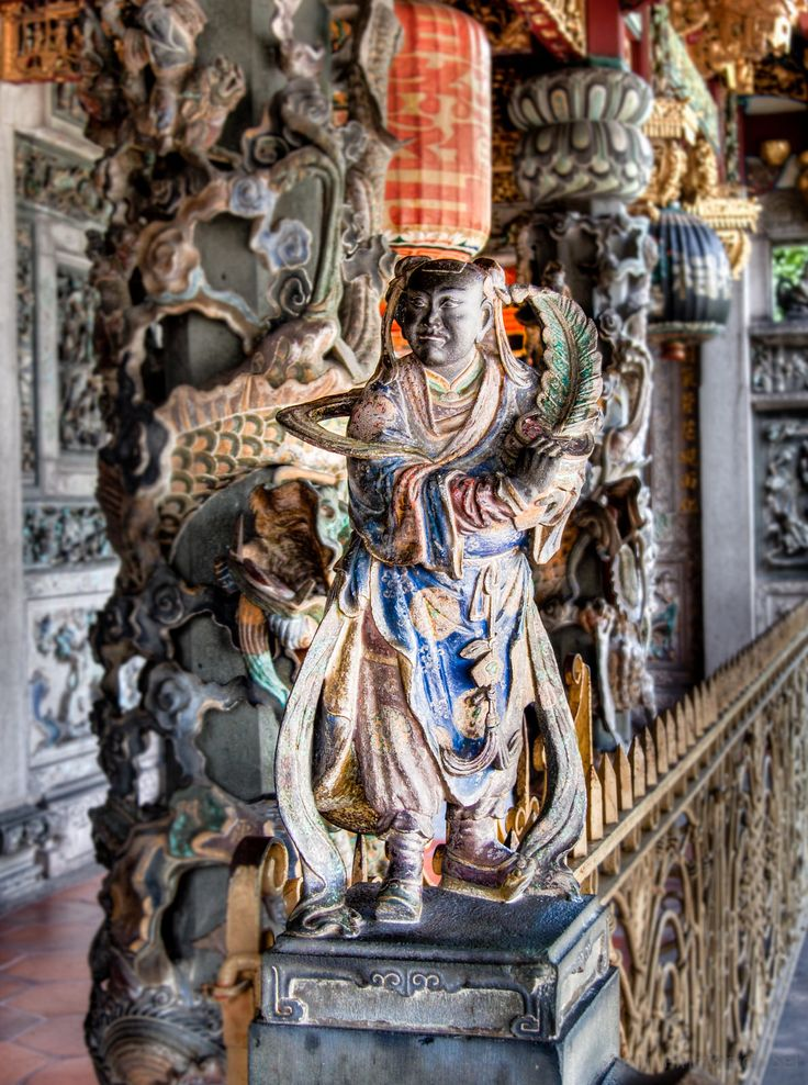 https://flic.kr/p/vyN3Gy | Khoo Kongsi | The Khoo Kongsi is a large Chinese clanhouse with elaborate and highly ornamented architecture, a mark of the dominant presence of the Chinese in Penang, Malaysia. The famous Khoo Kongsi is the grandest clan temple in the country.
