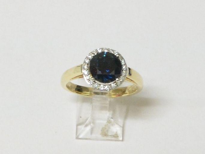 beautiful sapphire and diamond dress ring