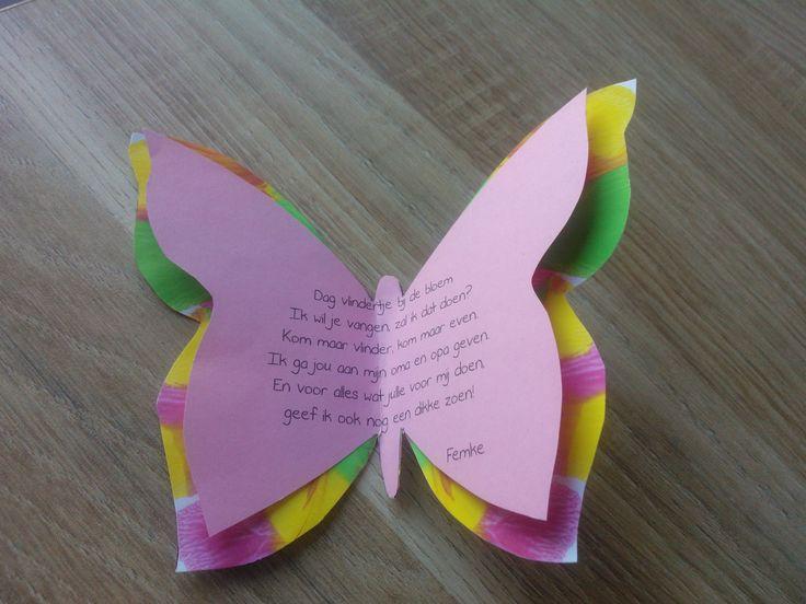 Kaartje voor de grootouders. Deze vlinder hoort bij een bloem. De vlinder is gemaakt door de vouwdruk toe te passen.