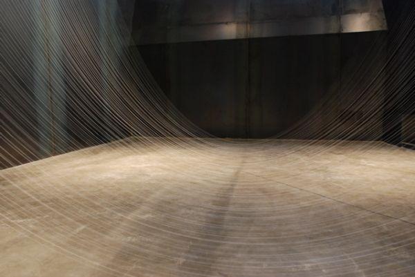 Immagine di http://www.culturescribe.com/wp-content/uploads/2014/08/the-silk-vortices-of-akiko-ikeuchi-8.jpg.