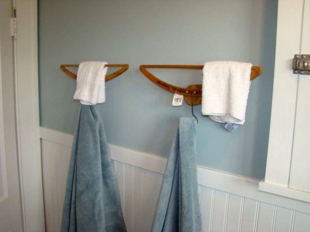 Fun vintage hangers repurposed as hooks - 26 Breathtaking DIY Vintage Decor Ideas