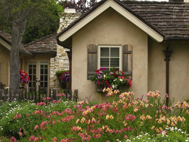 Carmel-by-the-Sea Cottage Garden's