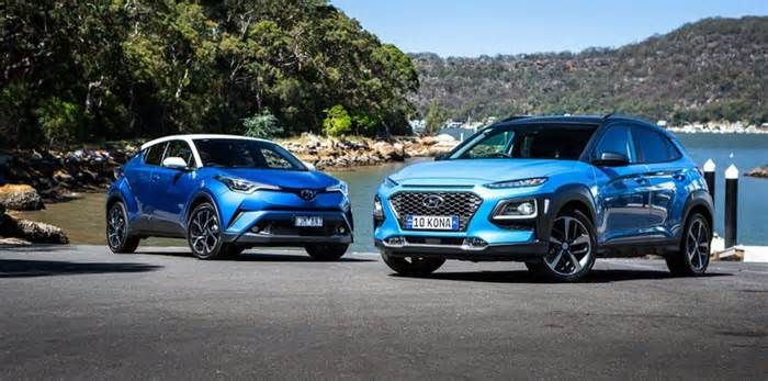 2018 Hyundai Kona Highlander AWD v Toyota C-HR Koba AWD comparison And, with on-demand AWD, some light-duty off roadability ... Add clear steering with excellent feedback and it's a car fully capable of engaging twisty roads for sheer thrills. Both also offer excellent long-haul comfort – for those in the first ...