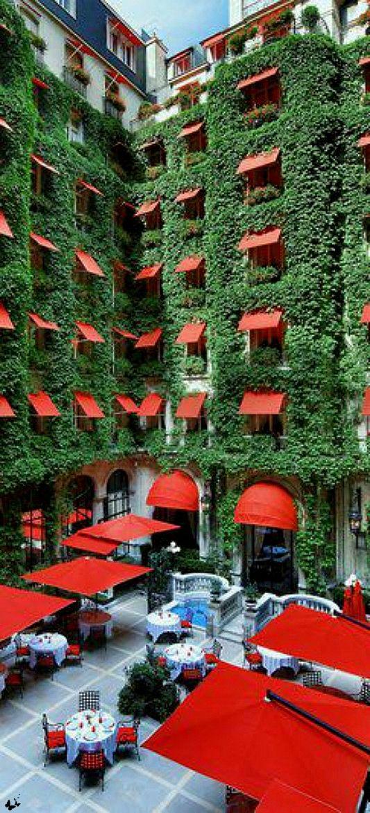 Hôtel Plazza Athénée, 25 Avenue Montaigne, Paris V