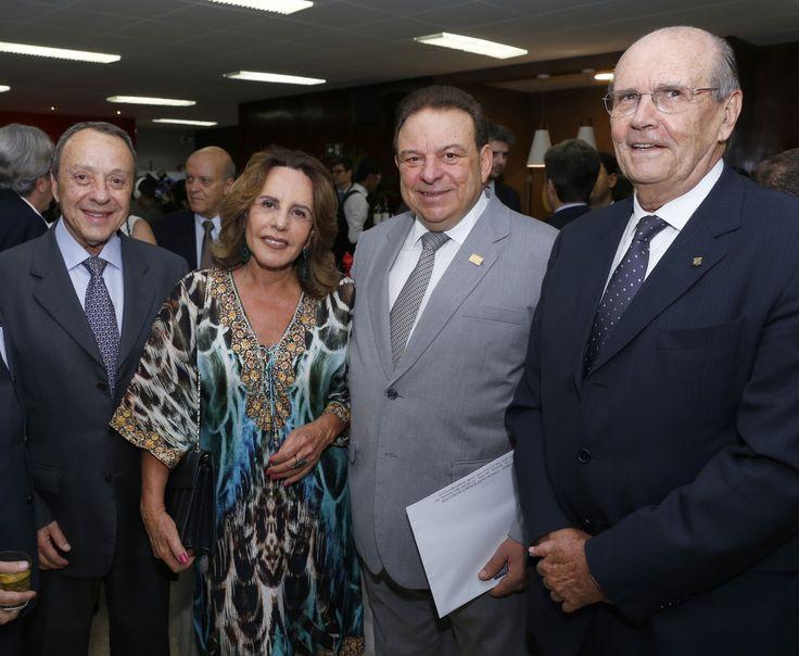 Manuel Guimarães, Olguinha Geo, o diretor-presidente da Drogaria Araújo, Modesto Araújo e Sérgio Bruno Zeck Coelho