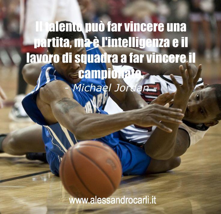 Lavorare in squadra annulla le mancanze ed esalta la forza degli individui.