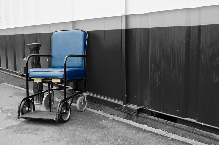Bibliothèques à l'hôpital : une présence inégale auprès des malades - Le rôle des médiathèques ne se réduit pas au prêt d'ouvrages. De nombreuses  actions culturelles ont été mises en place pour améliorer le so...