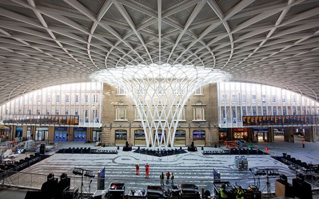 Review / London King's Cross concourse