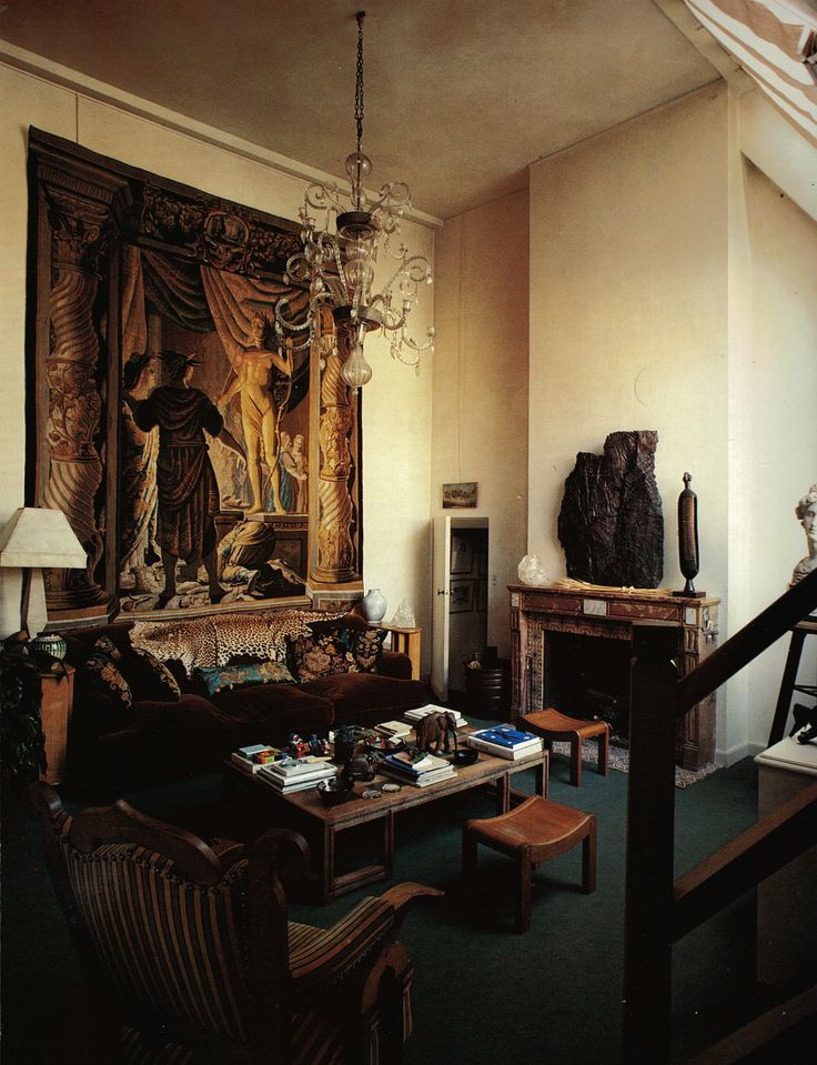 Paris salon of pascal greggory by jacques grange from - Jacques grange architecte d interieur ...