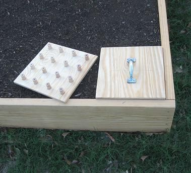 How to Make a DIY Square Foot Garden Planting Template  Here is a great planting template that you can make out of some wood, dowels, a few screws and about an hour of your time.  http://averagepersongardening.com/howto/HowtoMakeaDIYSquareFootGardenPlantingTemplate.html#.UVrxiTccMTM