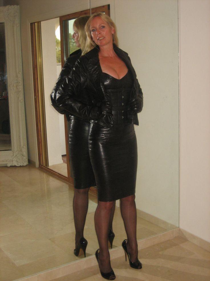 Singapore women hot sexy vedios-3200