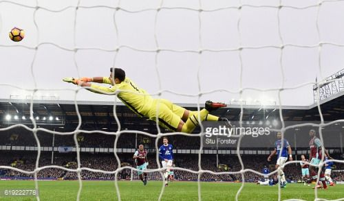 LIVERPOOL, ENGLAND - OCTOBER 30: Everton goalkeeper Joel Robles... #westdown: LIVERPOOL, ENGLAND - OCTOBER 30: Everton… #westdown