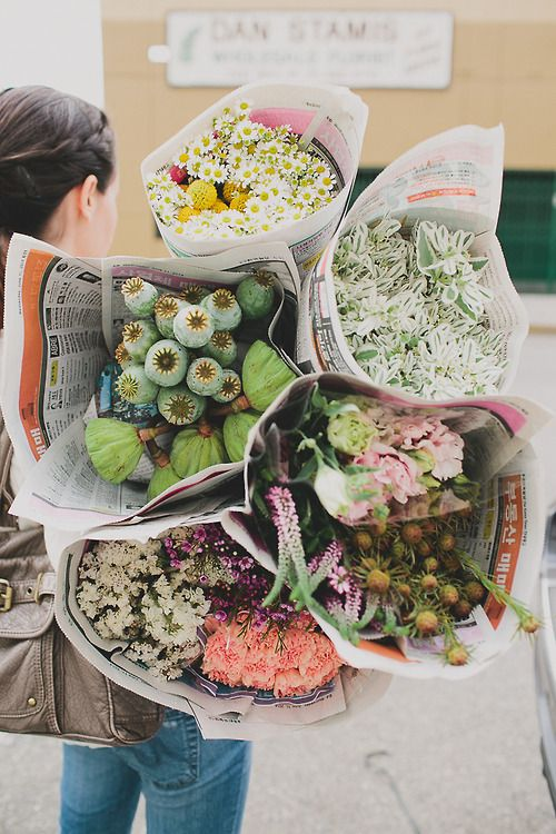 foxontherun:  (via How to Shop the LA Flower Market | Green Wedding Shoes Wedding Blog | Wedding Trends for Stylish Creative Brides)