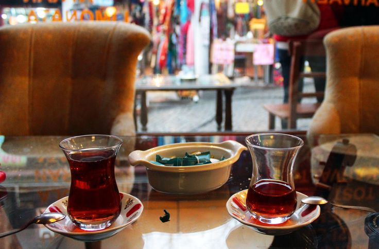 gramofon kafede çay