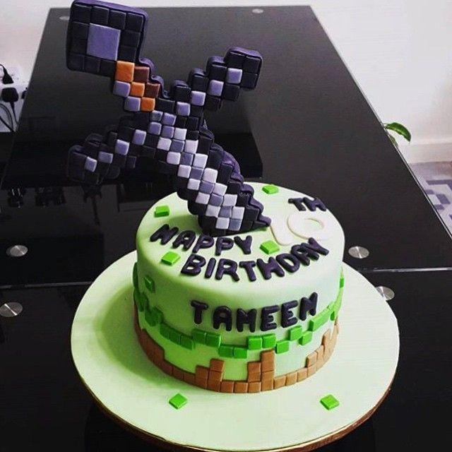Minecraft Themed Fondant Art Cake!  awesome #cakestotaste from: @alhan_cake    mention your cakelover friend!!   via #cakeguide #cakemenu #kue #kueenak #kuelucu #kueonline #indonesiaphotographers #cake #cakes #cakeart #cakedesign