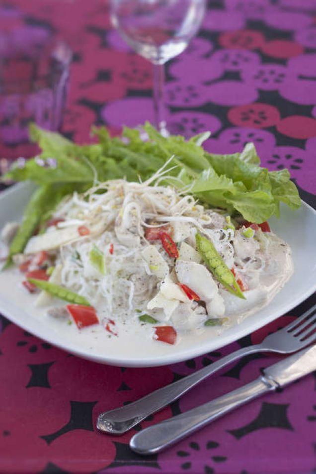 Dessa sjögräsnudlar smakar ungefär som glasnudlar som är gjorda av ris. Men dessa nudlar har bara 2 procent kolhydrater.