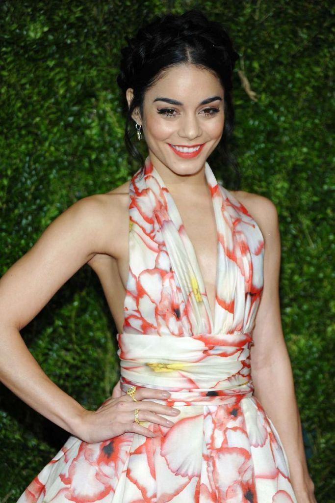 Vanessa Hudgens - 2015 Tony Awards in New York : Global Celebrtities (F) FunFunky.com