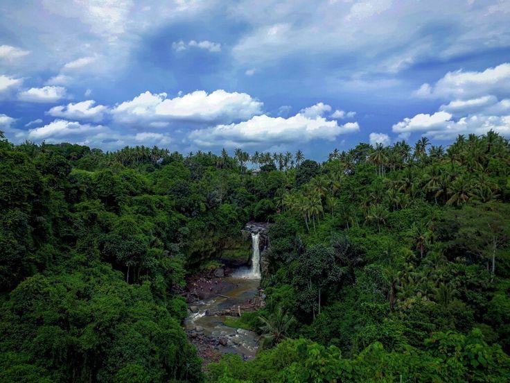 Tegenungan waterfall  www.seebalitours.com