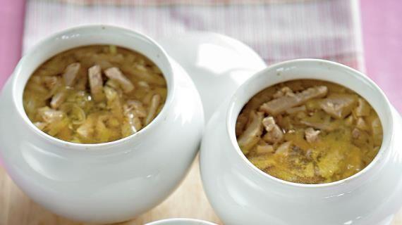 Горшочек супа из индейки с перловой крупой, луком-пореем и кориандром. Пошаговый рецепт с фото, удобный поиск рецептов на Gastronom.ru