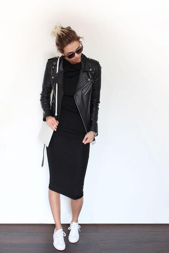 10 manières de porter la petite robe noire en 2020   Veste en cuir, Robe noire chic et Tenue
