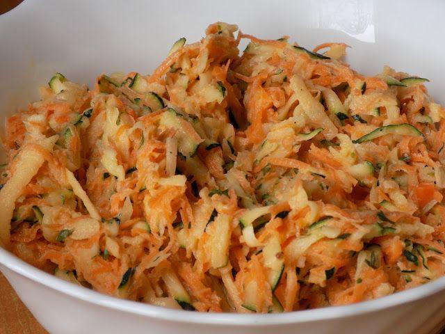 magiczna kuchnia Kasi: Surówka z cukinii i marchewki