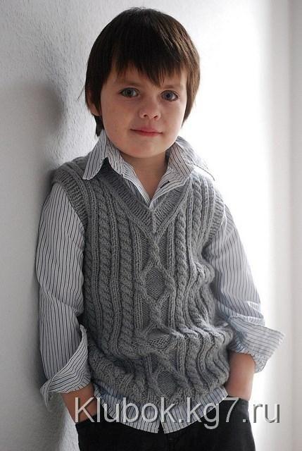 Детский жилет с аранами «Пембрук»: размеры от 6 мес. до 8 лет | Клубок