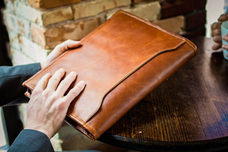 Leather Padfolio // Leather Portfolio // Leather Binder by BrosLeatherSupplyCo on Etsy https://www.etsy.com/listing/537918585/leather-padfolio-leather-portfolio