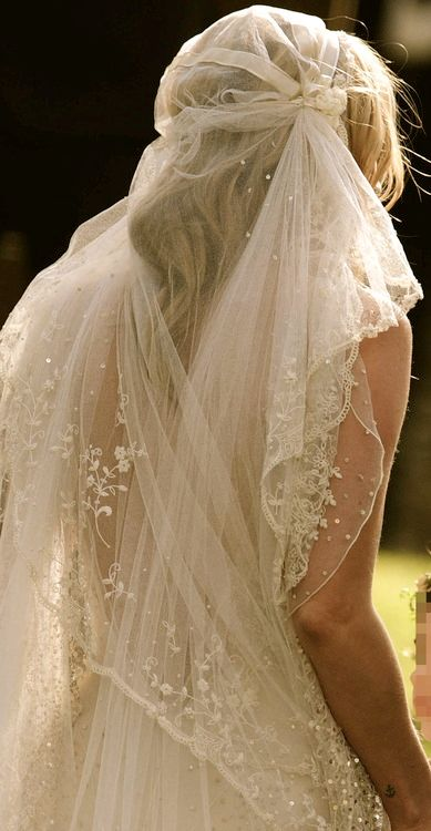 Wedding veil by John Galliano - Made for Kate Moss #wedding #veil #bride
