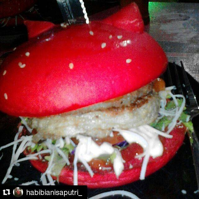Pelopor burger unik