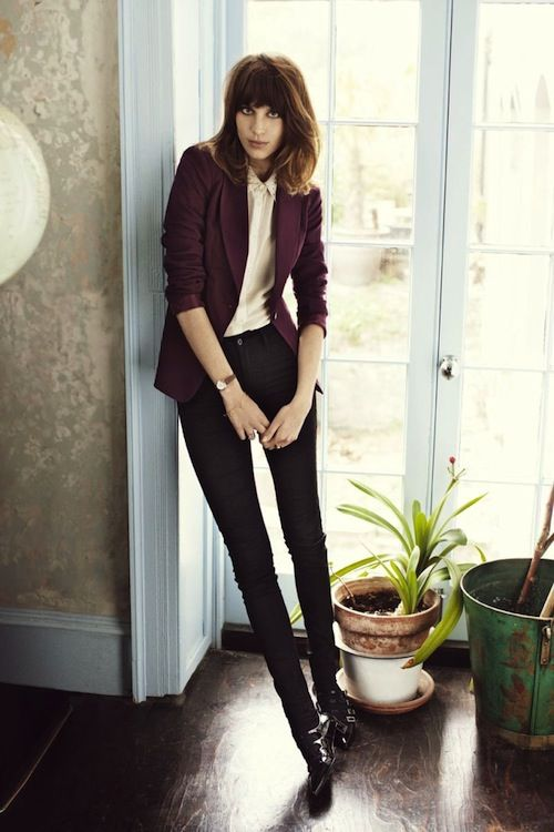 Alexa Chung in a burgundy blazer, skinny jeans & ankle boots #style #fashion #celebrity