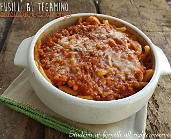 Fusilli al tegamino salsiccia e mozzarella, ricetta primo