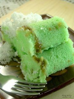 Traditional Indonesian sweets - Kue Putu -- steamed cakes filled with palm sugar syrup inside #Pindonesia