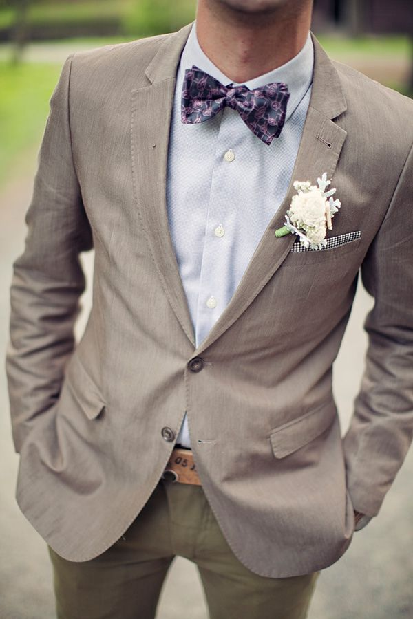 Perhaps a few too many colors going on here, but a nice preppy fitted look