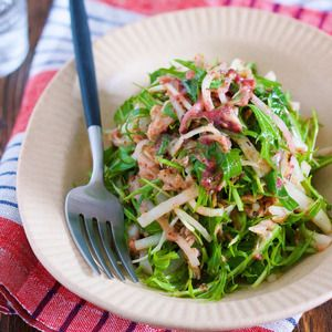 年末年始の疲れた胃腸に♪『大根と水菜のシャキシャキ♡梅ツナおかかサラダ』 by Yuuさん | レシピブログ - 料理ブログのレシピ満載! ▶︎レシピ検索はこちら◀︎※検索方法はこちらをご参照くださいませ。胃腸を酷使する年末年始にオススメ!大根と水菜を使ったシャキシャキサラダ♪切って和えるだけなのでとーっても簡単!しかも、梅入りなので...