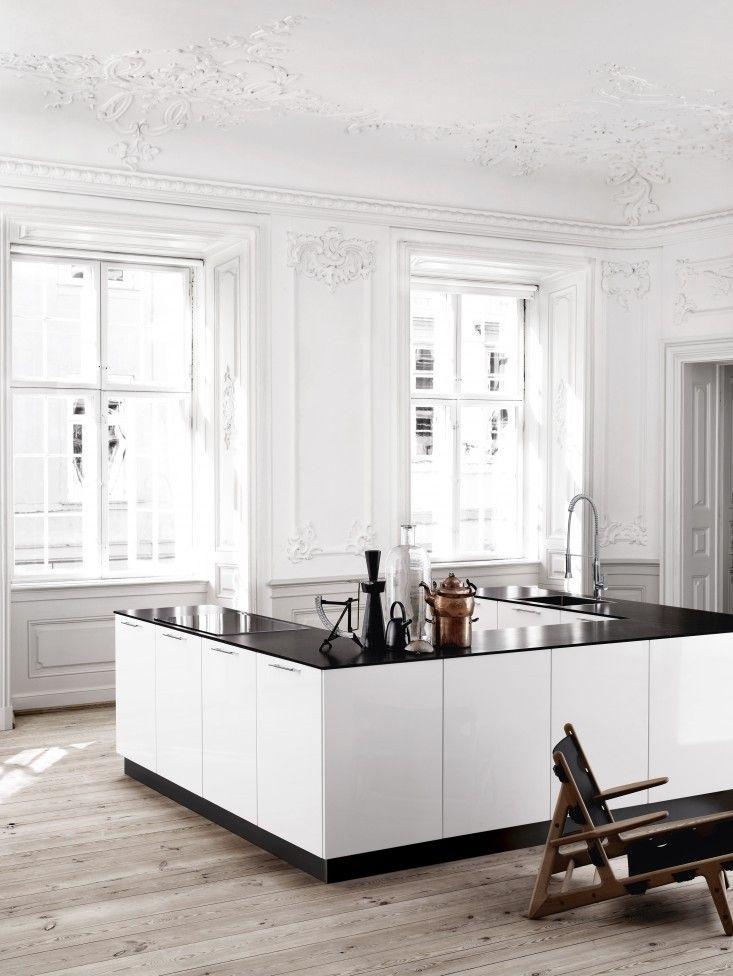 U-shaped-kitchen-Bianco-Kviks-Remodelista