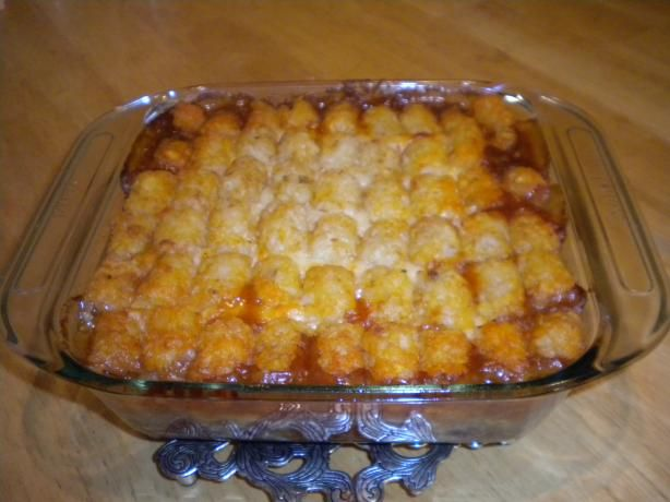 Chili Tater Tot Casserole, my recipe is better... 2 can's Trader Joes Turkey chilli, 1 bag shredded Pepper Jack Cheese, 3/4 bag of Tater tots.  9x9 pyrex, pour chilli, cover with cheese, arrange tots, less than 5 min prep., 30 min at 425º oven... maybe some sour cream and tabasco on the top