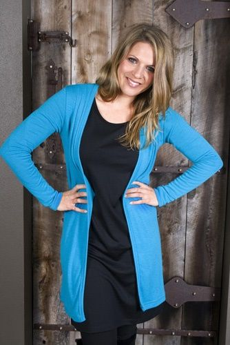 Another fantastic colour in our drape cardi by The Merino Story http://www.themerinostory.com/product-p/ms96011.htm