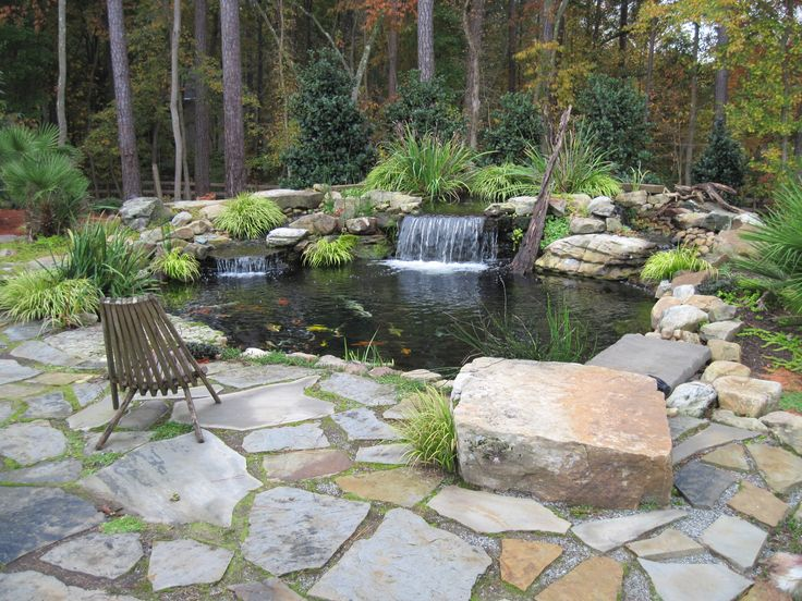 Dry set crab orchard flagstone patio tennessee boulder for Garden pond edging ideas
