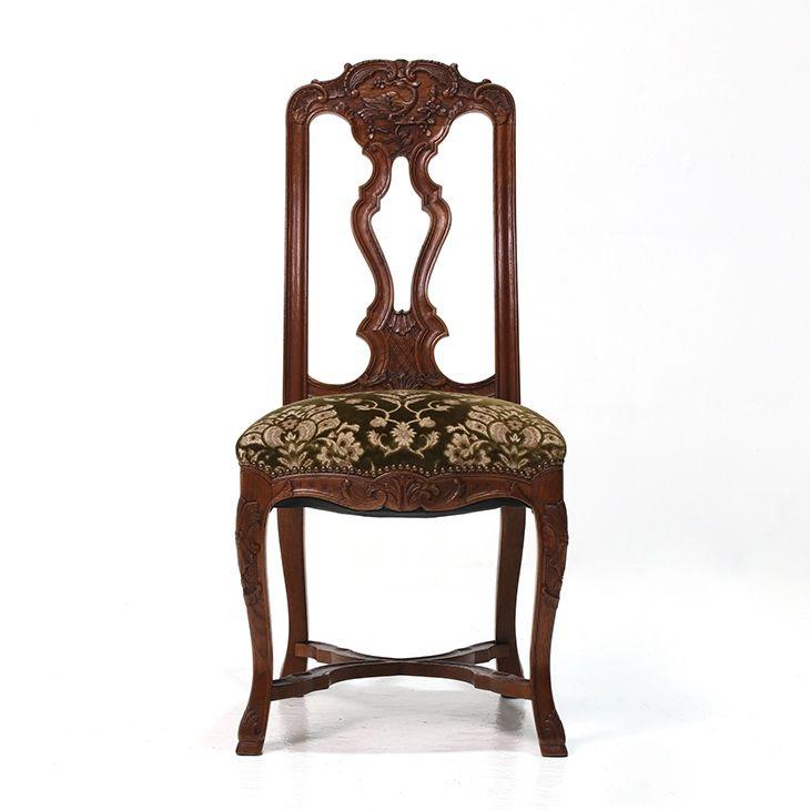見事な彫刻が施されたベルギーアンティークのチェア  商品ID32437 商品名アンティーク カーブドチェア 輸入国ベルギー 年代1920 材質オーク材 サイズ横幅:490 奥行:560 高さ:1050mm(座面まで520) 重さ:8.5kg 業販価格¥42,800 (¥46,224 税込)  #チェア #椅子 #ダイニングチェア #サイドチェア #インテリア #interior #アンティーク #antique #アンティーク家具 #antiquefurniture #アンティーク家具屋 #アンティーク家具販売 #イギリスアンティーク #イギリスアンティーク家具 #イギリスアンティークマーケット #英国アンティーク #英国アンティーク家具 #フランスアンティーク #フランスアンティーク家具 #フランスアンティーク雑貨  http://www.antique-flandre.com/products/detail10081.html