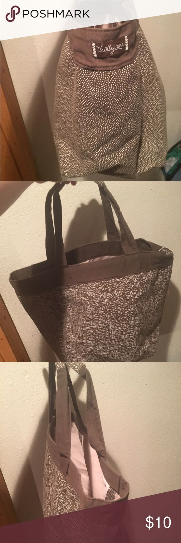 31 bag with no name written on it Brown 31 bag no writing on it. In excellent condition only used a few times thirty one  Bags Totes