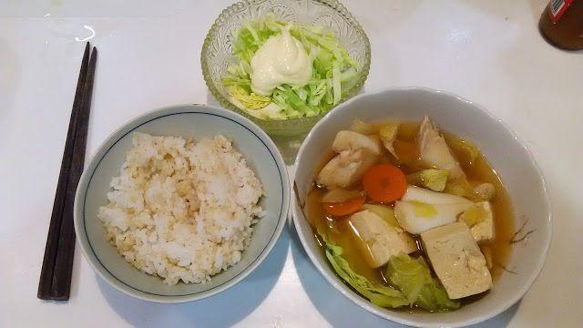 なかなかうまそうな写真だ。#タラ の #汁物、#豆腐 や#キャベツ と煮た。せんじつ、練馬の#パワーラークス で買ってきた#海醤 というのを入れたので、濃厚なダシになった。それとキャベツ。 It is a very appetizing photograph. I boiled it with the soup of the cod, tofu and cabbage. It was in heavy soup stock the other day because I put Kaisho which I bought in Nerima. It and cabbage. http://www.kandamori.net/2017/02/blog-post_15.html #朝食 #夕食 #昼食 #ランチ #グルメ #ディナー #食事 #料理 #食料 #食べ物 #ご飯 #Breakfast #dinner #lunch #gourmet #meal #Dish #food #rice #cook #cooking
