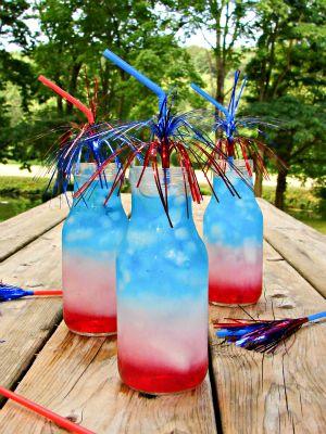 July 4th Layered Drinks Tutorial | www.inkatrinaskitchen.com